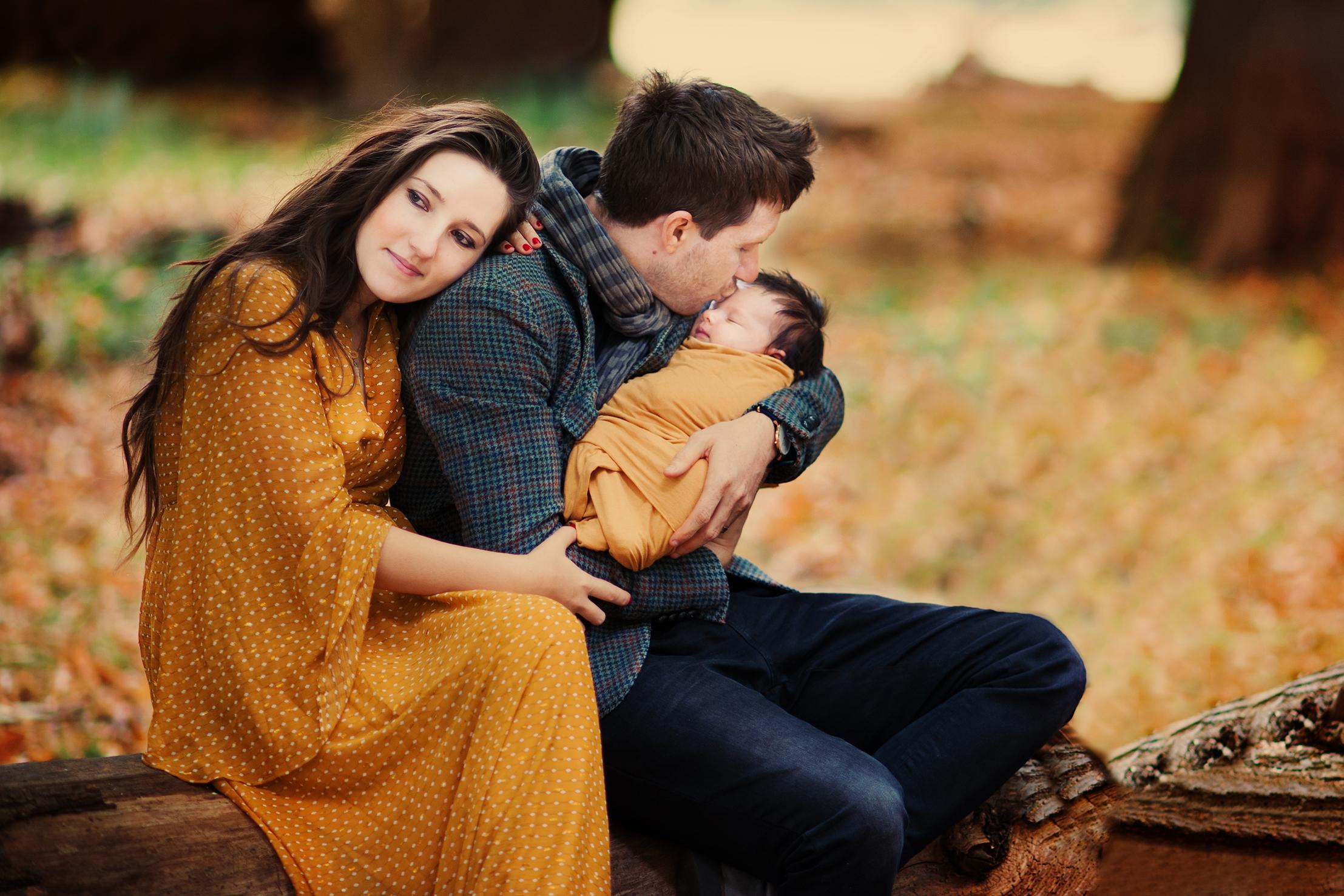 newborn-photographer-london-mum-family-baby